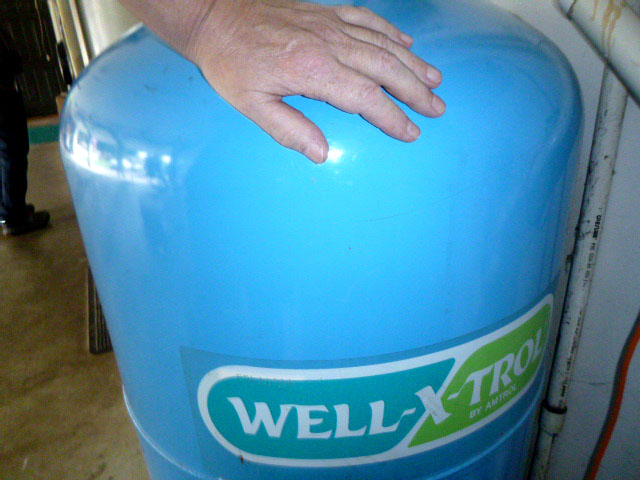 residential well water tank inspection